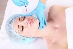 Le lipofilling des cernes est une opération pratiquée par le Dr Nicolas Zwillinger